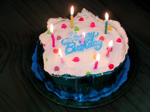 7 candle birthday cake